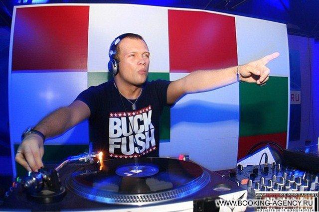 Концерт дискотеки аварии и dj-сет от dj грува - sonntag, 09 oktober 2011 - скк им блинова - omsk