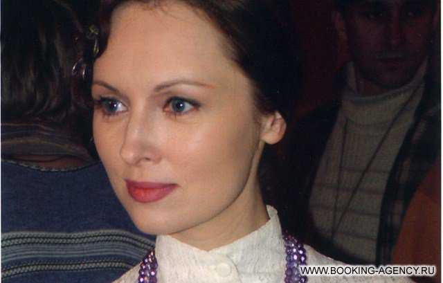 Елена Ксенофонтова актер